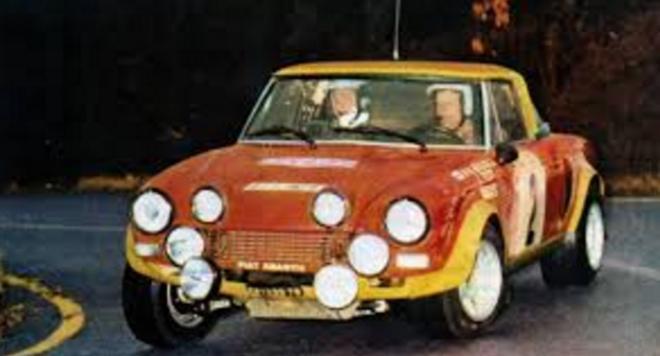coche scalextric Fiat 124 Spider Bacchelli Tour de Corse de 1974.